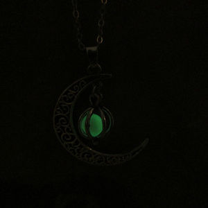 Jewelry - Glow in the dark magic moon necklace & charger 165